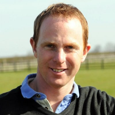 Buy racehorse shares with David O'Meara Racehorse Trainer
